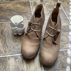 Johnston and Murphy chukka wedges shoes